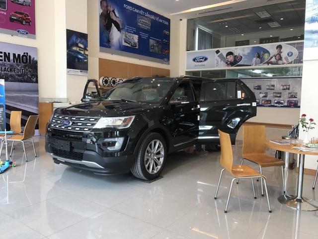 Cuối năm 2017, hàng loạt mẫu xe nhập khẩu bị các đại lí găm hàng hoặc đẩy giá bán lên cao. (Ảnh: Nhật Minh)