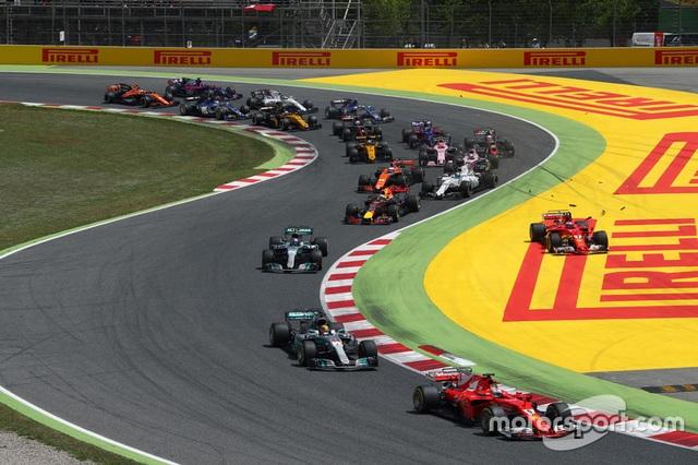 Vượt qua Vettel, Hamilton đăng quang tại Catalunya - 10