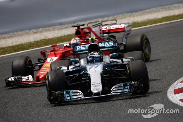 Vượt qua Vettel, Hamilton đăng quang tại Catalunya - 4