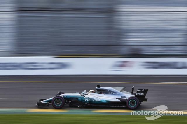 Lewis Hamilton có pole đầu tiên trong mùa giải F1 2017 - 6
