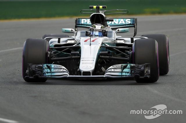 Lewis Hamilton có pole đầu tiên trong mùa giải F1 2017 - 5