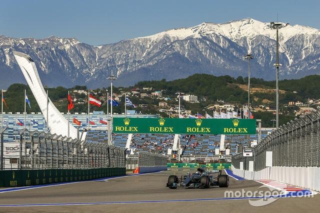 Vettel xuất sắc có pole tại Sochi - 5