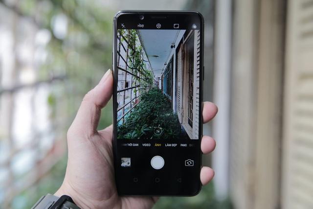 Đánh giá Oppo F5: Đem xu hướng công nghệ mới màn hình tràn và selfie A.I vào sản phẩm - 1