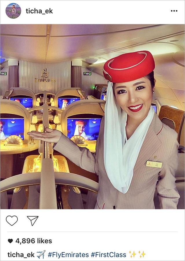Và trong một bức hình khác, cô chỉ đơn giản thêm hình ảnh của mình vào một tấm ảnh đã được xuất bản bởi Emirates, hãng hàng không cô ta nói rằng hiện đang làm việc ở đó