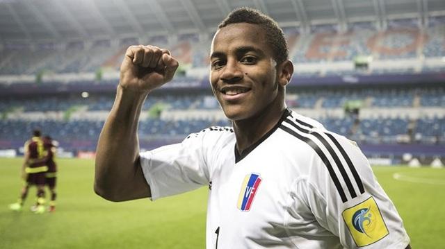 Thủ thành Farinez chính là người hùng ở trận đấu với U20 Uruguay