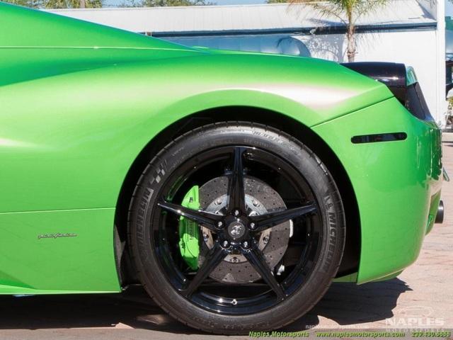Mất bao nhiêu tiền để đổi màu sơn siêu xe Ferrari chính hãng? - 11
