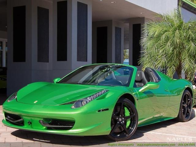 Mất bao nhiêu tiền để đổi màu sơn siêu xe Ferrari chính hãng? - 2