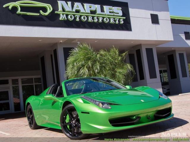 Mất bao nhiêu tiền để đổi màu sơn siêu xe Ferrari chính hãng? - 1
