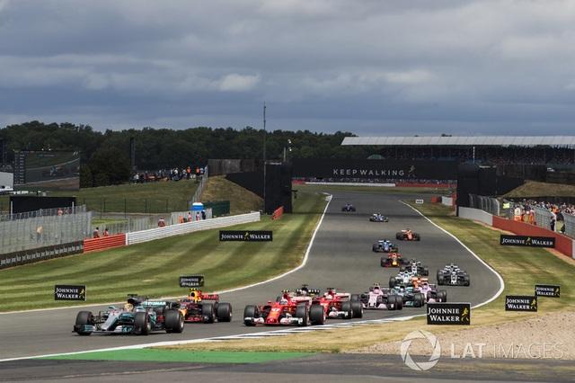 Lewis Hamilton thắng dễ tại Silverstone - 1