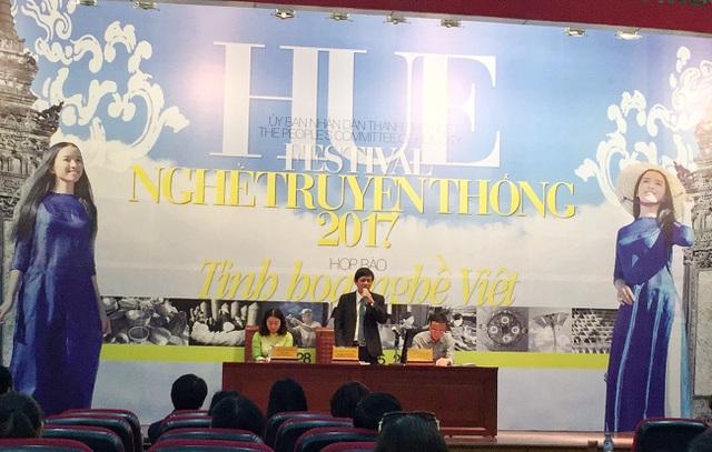 Ông Nguyễn Đăng Thạnh, Phó Chủ tịch thường trực UBND TP Thừa Thiên Huế, Phó Trưởng ban thường trực Ban Tổ chức Festival chuyên đề Huế 2017 phát biểu.