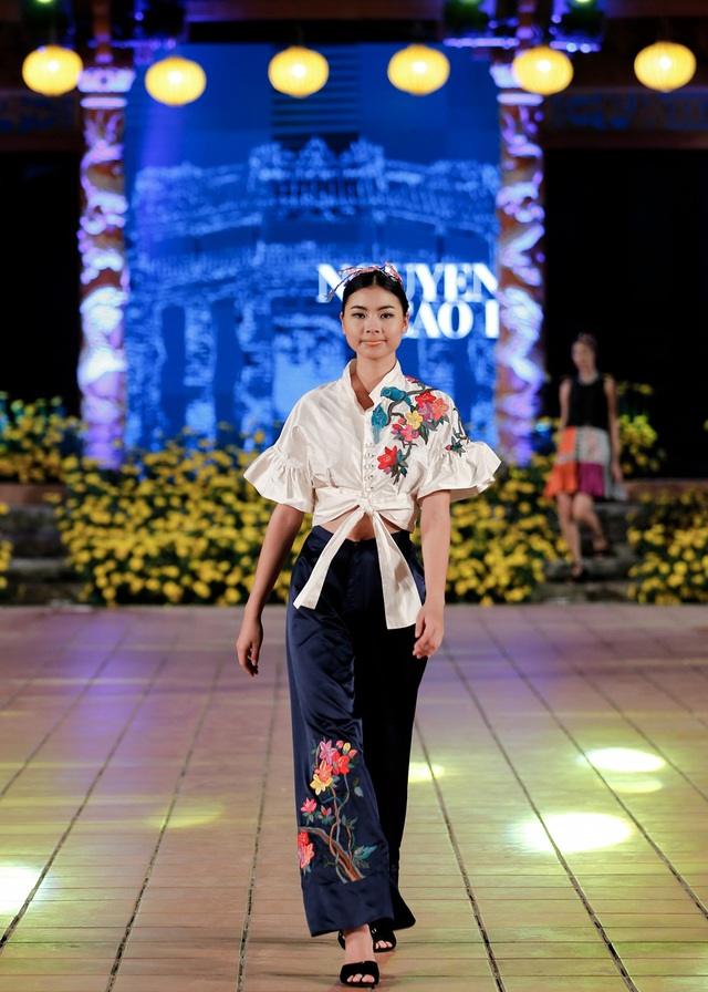 Đào Thị Hà - top 5 Hoa hậu Việt Nam 2016 ngày càng tự tin và chuyên nghiệp hơn ở vai trò người mẫu.