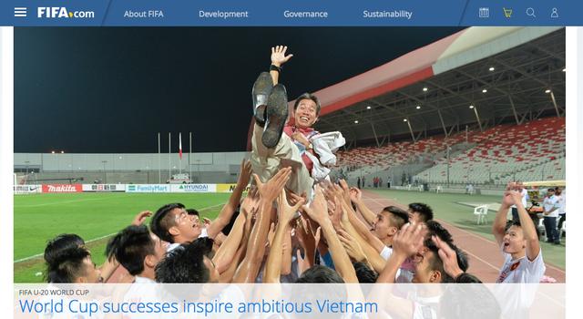 FIFA viết bài về bóng đá Việt Nam năm 2016 và đưa lên tranh nhất