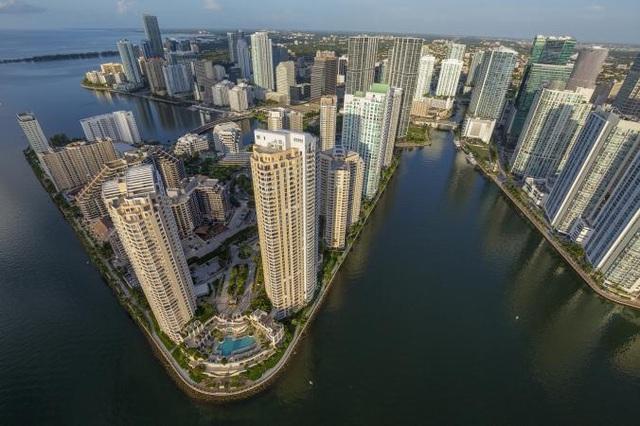 Các thành phố lớn ven biển của Mỹ như Miami sẽ bị ảnh hưởng nặng nề bởi nước biển dâng (Ảnh: National Geographic)