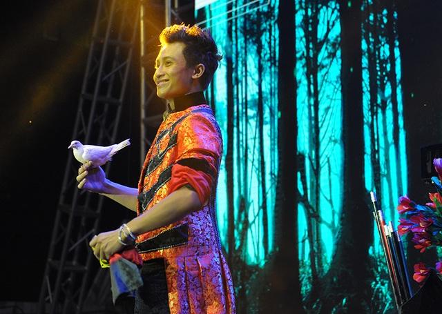 """Soobin Hoàng Sơn liên tục hát 3 bản hit """"đốn tim"""" ngàn bạn trẻ Hà Nội - 6"""