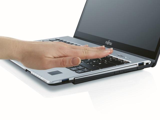 Công nghệ sinh trắc học tĩnh mạch lòng bàn tay, là công nghệ độc quyền và tiên tiến nhất trên thế giới hiện nay của Fujitsu