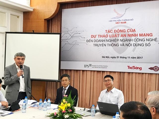 Thứ trưởng Bộ TT&TT Nguyễn Minh Hồng phát biểu tại buổi hội thảo.