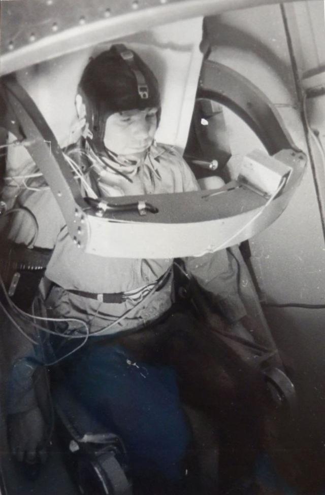 Việc lựa chọn nhóm phi hành gia đầu tiên tham gia một chương trình mang tính lịch sử dựa trên nhiều tiêu chí khác nhau, bao gồm cả về thể chất, tinh thần và một số tiêu chí khác. Các ứng cử viên được chọn trong độ tuổi từ 25-30, chiều cao tối đa là 1m70 và nặng không quá 70-72 kg. Họ được đào tạo chuyên nghiệp và chịu kỷ luật cao. Yuri Gagarin không chỉ là một trong những người đầu tiên được chọn vào nhóm phi hành gia để huấn luyện mà còn chứng tỏ bản thân là một thành viên xuất sắc hàng đầu.