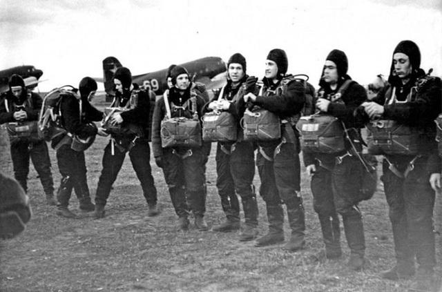 Một buổi tập luyện ngoài trời nhóm phi hành gia.