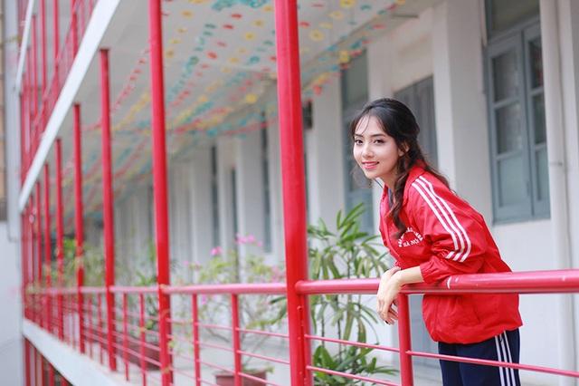 Sở thích của Linh là ăn uống, nấu ăn, đi du lịch, hát, chơi với các em nhỏ và tập thể thao.