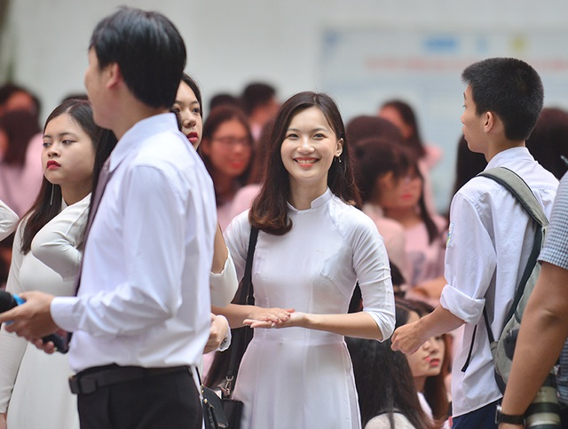Sáng ngày 22/5, trường THPT Việt Đức tổ chức lễ bế giảng.