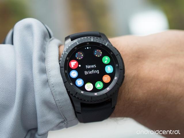 Những mẫu đồng hồ thông minh đáng chú ý năm 2017 - 1
