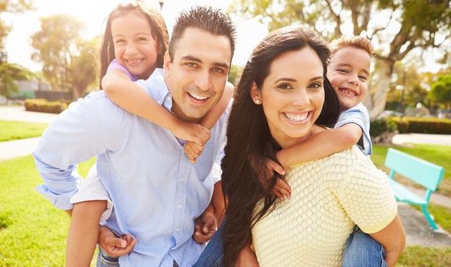 Ưu tiên tập trung vào việc gắn kết với con sẽ khiến con trở nên hạnh phúc hơn và dễ bảo hơn.