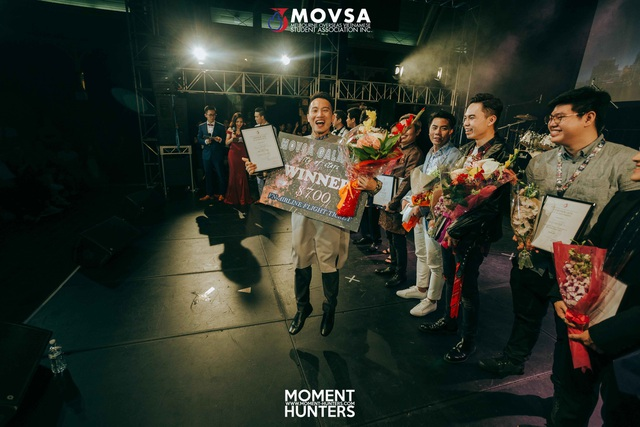 Thí sinh Nguyễn Thành Trung vui mừng khi giành giải nhất Movsa Gala 2017