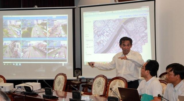 PGS - TS Hồ Thanh Phong và cộng sự trình bày giải pháp giao thông thông minh
