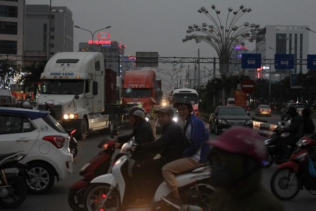 Tình trạng tắc nghẽn trong nội đô Hải Phòng khi tổ chức phân luồng thi công nút giao thông trọng điểm