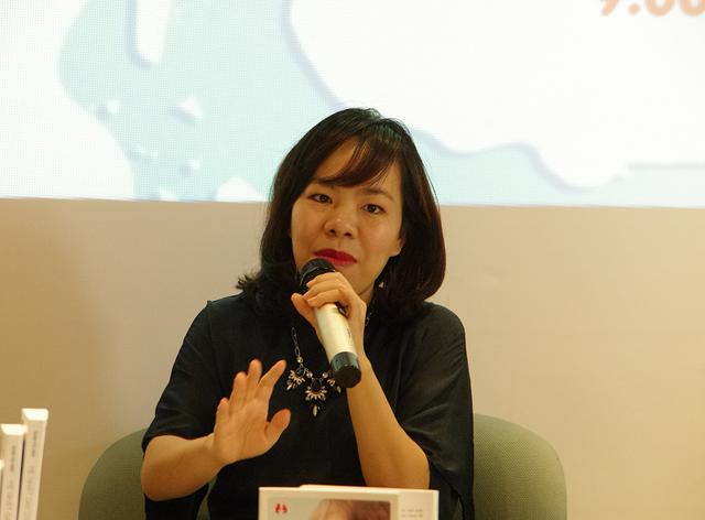 Theo bà Nguyễn Thúy Uyên Phương, không có một phương pháp giáo dục nào có thể tạo ra một đứa trẻ hoàn hảo như mong muốn của nhiều phụ huynh