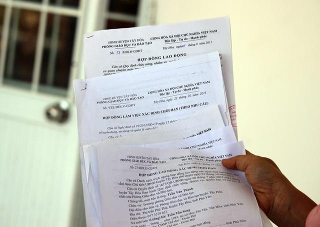 4 bản hợp đồng (6 năm) mà phòng GD&ĐT huyện Tây Hòa đã ký với 1 GV bị sa thải