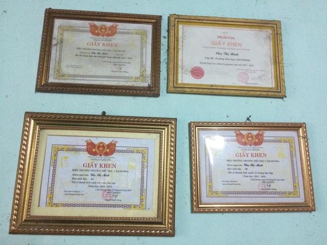 6 năm liền em Minh đều đạt danh hiệu học sinh giỏi, xuất sắc