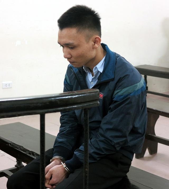 Nguyễn Thành Phát trước vành móng ngựa.