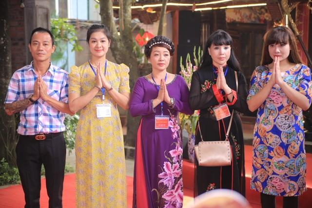 """Nghệ sỹ Giang """"còi, MC Thảo Vân bất ngờ trổ tài ca sỹ trong lễ giỗ tổ - 9"""