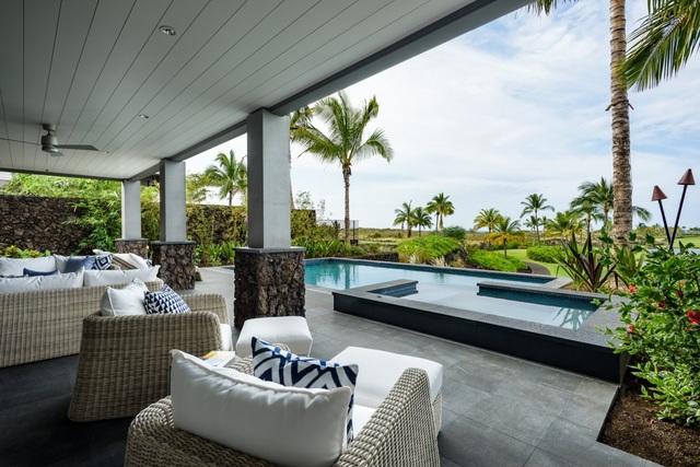 Các căn nhà được thiết kế bể bơi riêng với nội thất hiện đại, trẻ trung, nhưng vẫn mang đậm phong cách vùng biển nhiệt đới Hawaii.