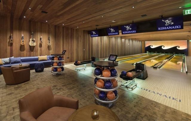 Các thành viên trong câu lạc bộ có phòng chơi thể thao riêng.