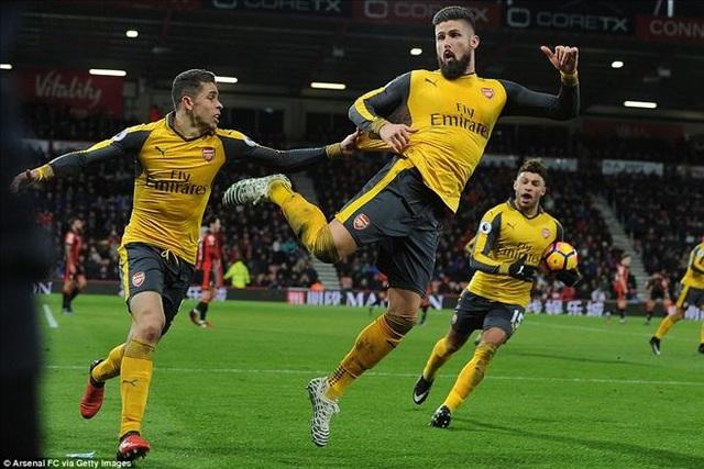 Niềm vui sướng của Giroud sau khi gỡ hòa cho Arsenal