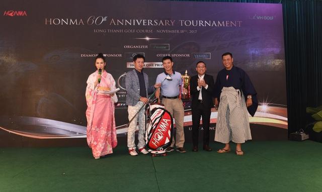 Golfer Nguyễn Hữu Hải xuất sắc giành ngôi vô địch với 76 gậy
