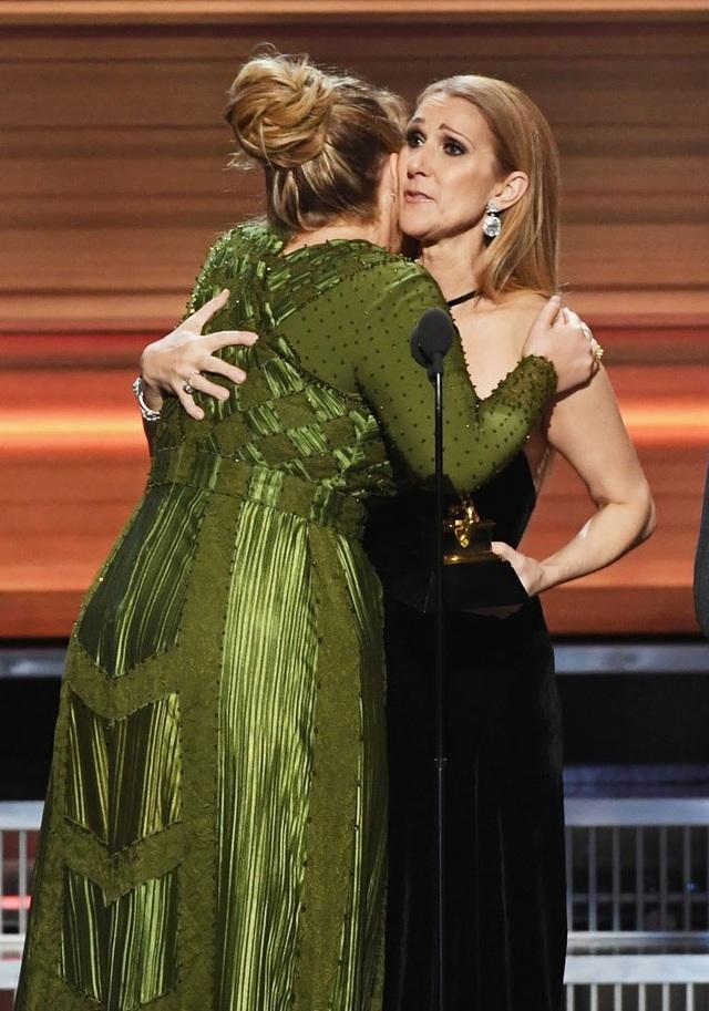 """""""Hello"""" của Adele giành cú """"đúp"""" tại lễ trao giải Grammy 2017 - 6"""