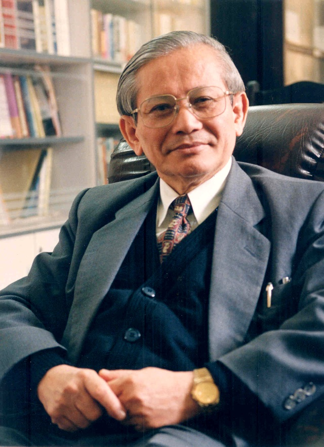 GS Sử học Phan Huy Lê
