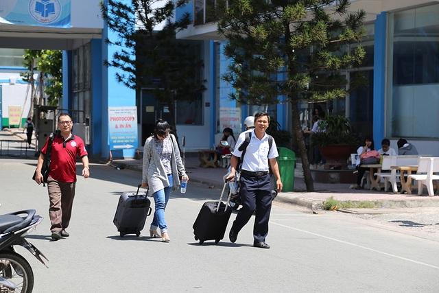 Cán bộ, giảng viên trường ĐH Công nghiệp Thực phẩm TPHCM đi coi tại Tây Ninh năm ngoái