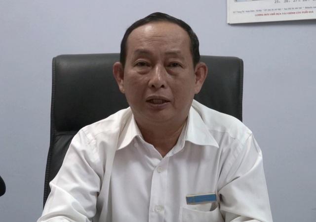 Ông Trần Quang Vinh, Giám đốc Bảo hiểm xã hội tỉnh Phú Yên nhận trách nhiệm và xin lỗi 64 giáo viên vì sai sót của ngành