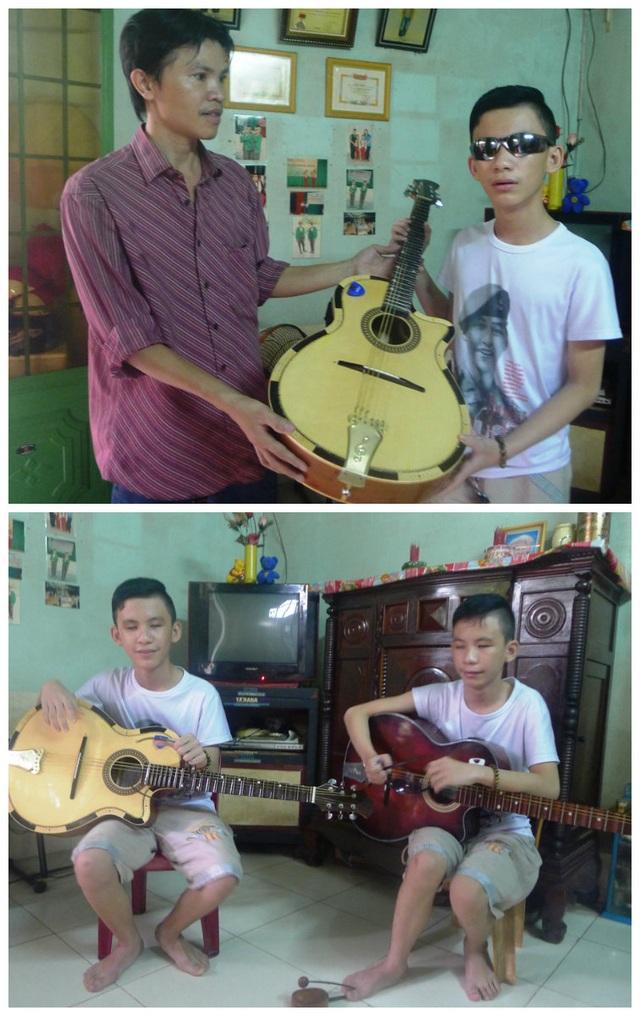 Ngày PV Dân trí đến ghi nhận, đại diện một cơ sở in ở TP Rạch Giá đến trao tặng em Trường cây đàn cổ để hai anh em cùng tập đờn