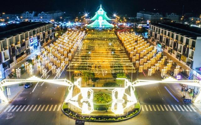 Đường phố Kiên Giang năm nay rực rỡ đèn hoa trong dịp Giáng sinh