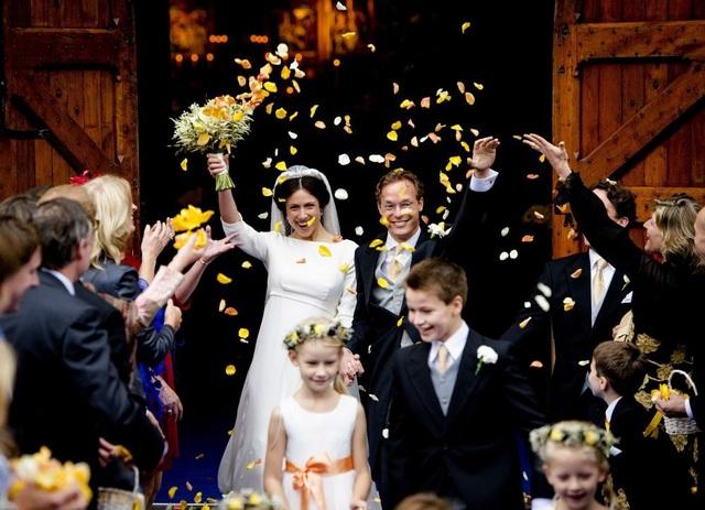 Người mà Hoàng tử Hà Lan Jaime de Bourbon de Parme lựa chọn để kết hôn cùng không phải là một cô gái hoàng tộc mà là nữ luật sư Viktoria Cservenyak.