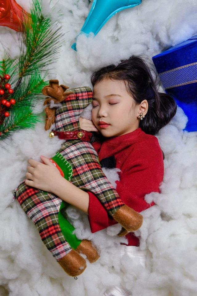 """""""Tan chảy"""" với bộ ảnh Giáng sinh của các """"siêu mẫu nhí"""" - 15"""
