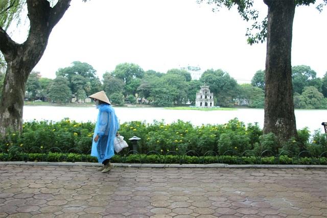 Cuối tuần này Hà Nội mưa rét (Ảnh: Nguyễn Dương).