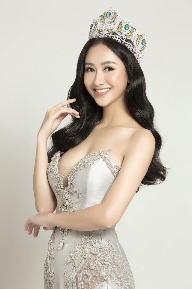 Miss Earth Vietnam 2017 Hà Thu vừa nhận lời mời tham dự đêm chung kết cuộc thi Hoa hậu Đại sứ du lịch thế giới 2017 với vai trò giám khảo danh dự. Hoa hậu Đại sứ du lịch thế giới 2017 là cuộc thi nhan sắc uy tín, thu hút sự tham gia tranh tài của hơn 50 người đẹp khắp thế giới.