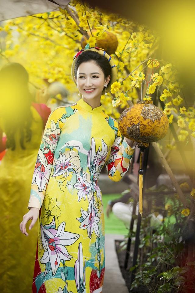 Á hậu Hà Thu lên tiếng về áo dài cách tân - 7