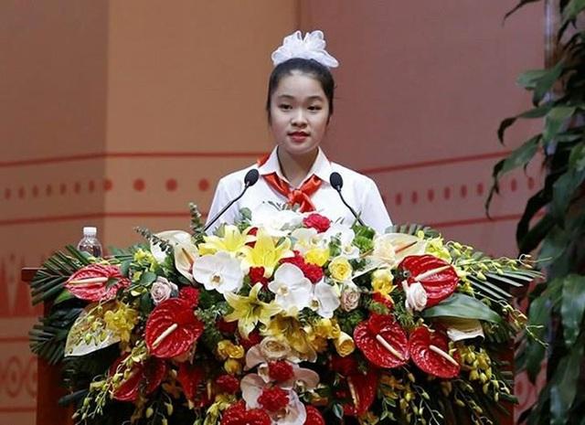 Em Trịnh Hà An đại diện cho đội viên Thủ đô phát biểu tại phiên trọng thể ĐH Đoàn toàn quốc XI.